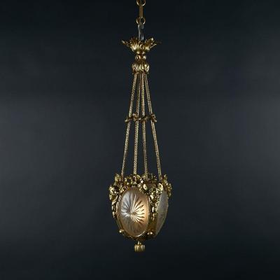 Lustre aux angelots en bronze doré et verre gravé, XIXe