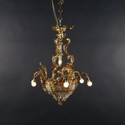 Lustre en bronze doré aux nymphes et perles de verre, XIXe