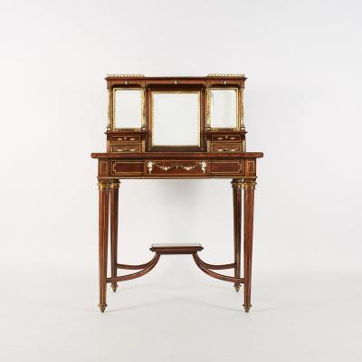 Italie, Bureau de dame en placage d'acajou et marqueterie d'ivoire teinté et nacre, XIXe