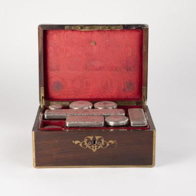 Coffret à nécessaire de toilette en argent et cristal, XIXe