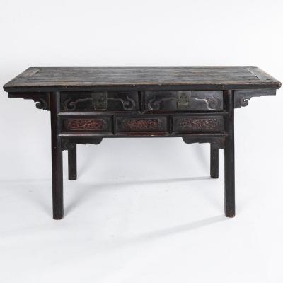 Chine, table console à deux tiroirs en bois sculpté, XIXe