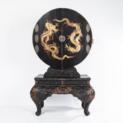 Japon, cabinet autel de prières en bois laqué, fin XIXe, début XXe