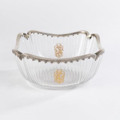 Coupe en cristal taillé bordée d'argent ciselé, XIXe