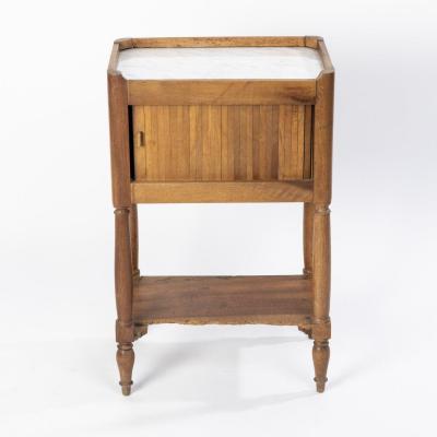 Chevet à rideau en bois naturel estampillé et surmonté d'une couronne, XIXe