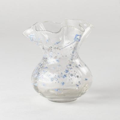 Émile Gallé (1846-1904), vase en verre transparent à décor de libellules et petites fleurs émaillées , XIXe