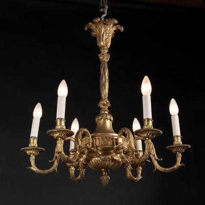 Lustre en bronze doré ciselé de style Louis XVI, XIXe