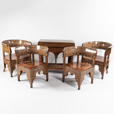Salon Syrien composé d'une table à jeux et 4 fauteuils marqueté, XIXe