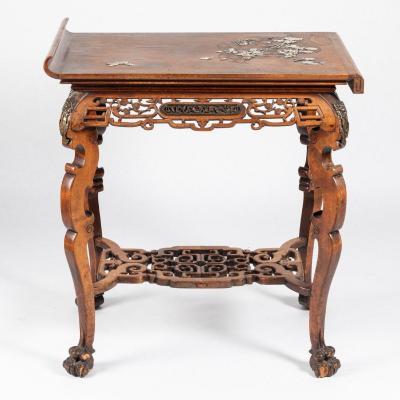 Attribué à Gabriel Viardot (1830-1906), table toutes faces en bois et incrustations, XIXe