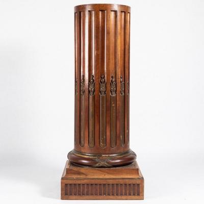Sellette néo-renaissance en acajou et bois naturel sculpté, XIXe