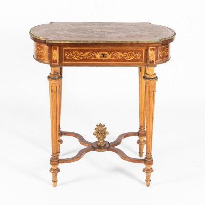Travailleuse en marqueterie de bois précieux et bronze doré, XIXe