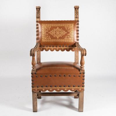 Fauteuil trône néo-renaissance en noyer et cuir doré, fin XIXe, début XXe