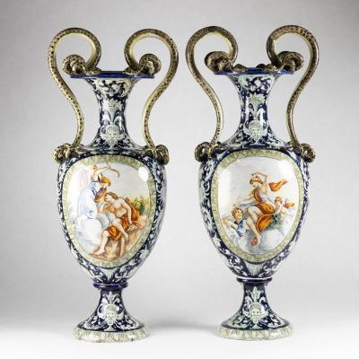 Paire de vases Italien en porcelaine, XIXe