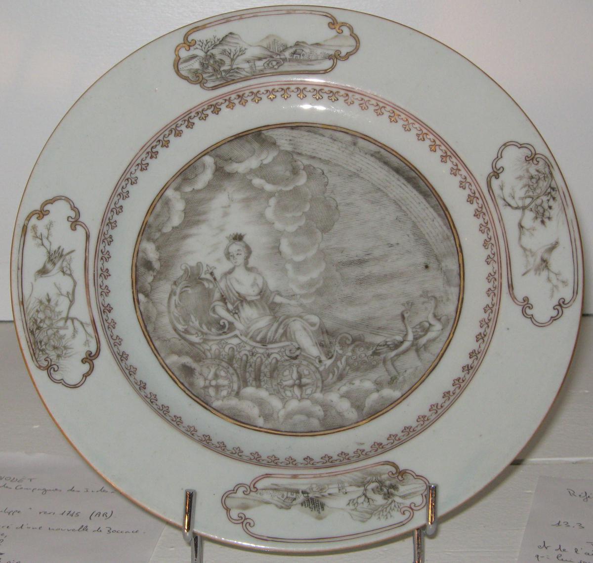 """Porcelaine De La Compagnie Des Indes Dite""""grisaille"""", d'époque XVIIIeme."""