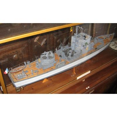 Submarine Hunter Model Ch 123 Quality