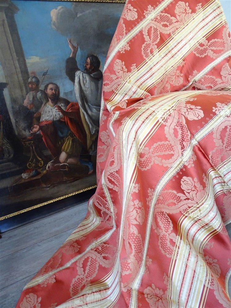Belle  étoffe En Satin De Soie Rouille, Jaune Doré -photo-2
