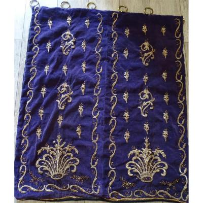 Tenture Ottomane XVIIIème Broderie Argent  Sur  Velours Violet.