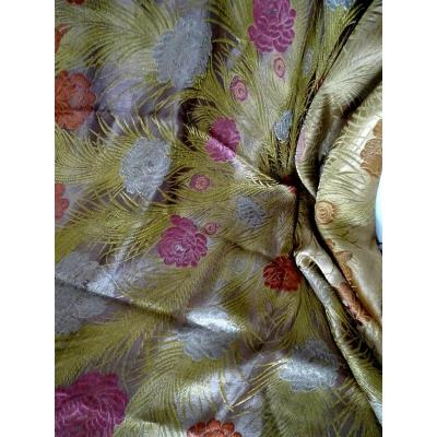 Large Silk Shawl Nineteenth In Decor Decorated With Stylized Flowers