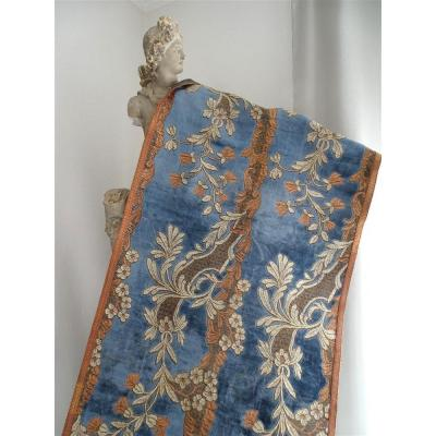Tapestry, Table Top Or Hanging In Silk Velvet And Metallic Threads Bronze Braid Tapestry Style