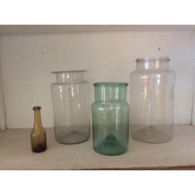 Trois Pots à Pharmacie Et Une Bouteille échantillon   Début XVIII Siècle