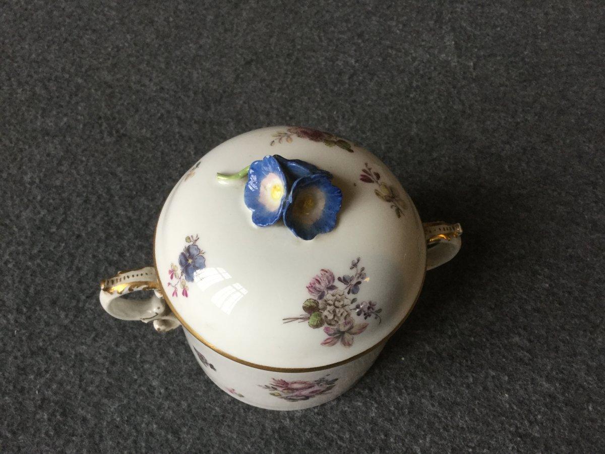 Pot à Sucre En Porcelaine De Saxe XVIIIe -photo-2