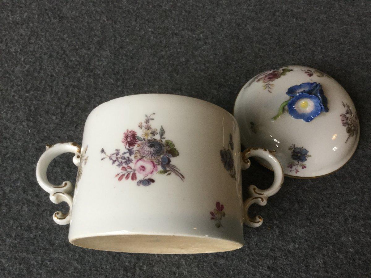 Pot à Sucre En Porcelaine De Saxe XVIIIe -photo-3