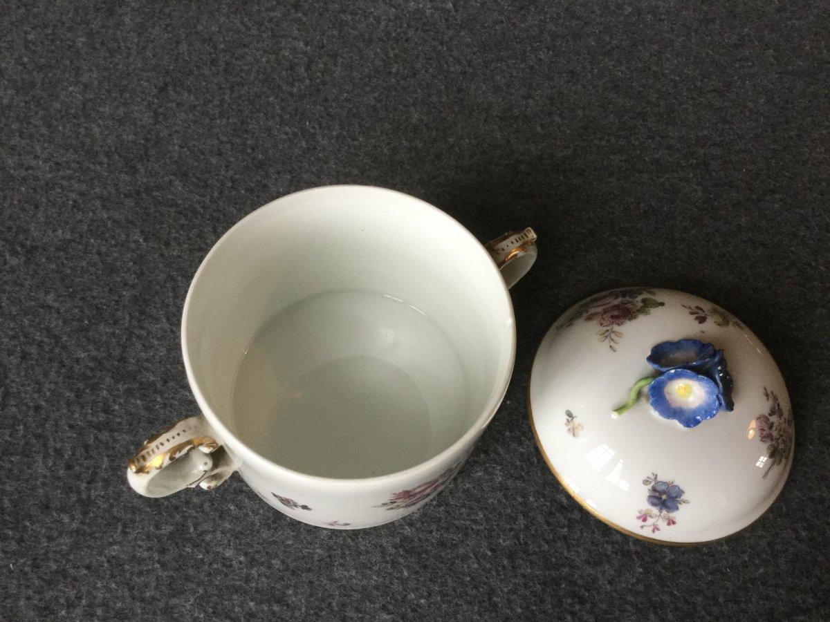 Pot à Sucre En Porcelaine De Saxe XVIIIe -photo-4
