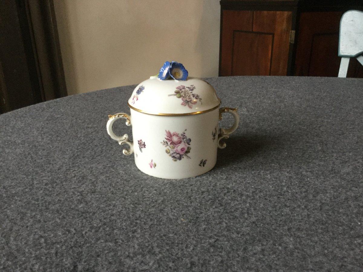 Pot à Sucre En Porcelaine De Saxe XVIIIe
