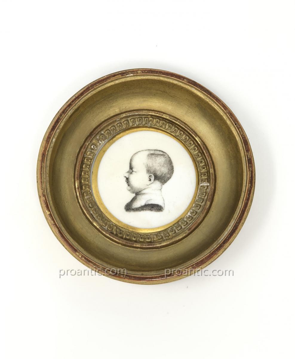 NAPOLEON Médaillon En Porcelaine De Paris Représentant le Roi De Rome