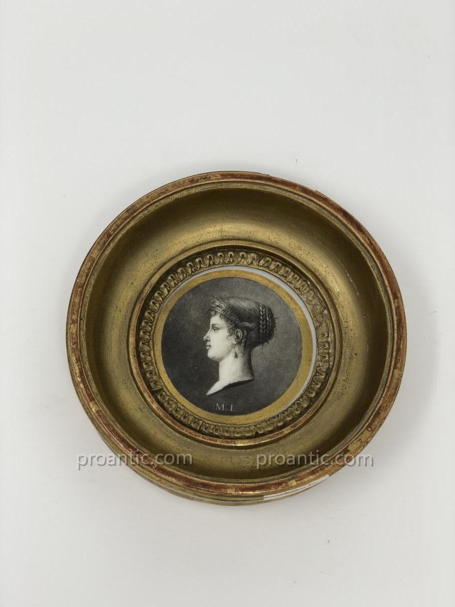 Médaillon En Porcelaine De Paris Représentant l'Impératrice Marie-louise