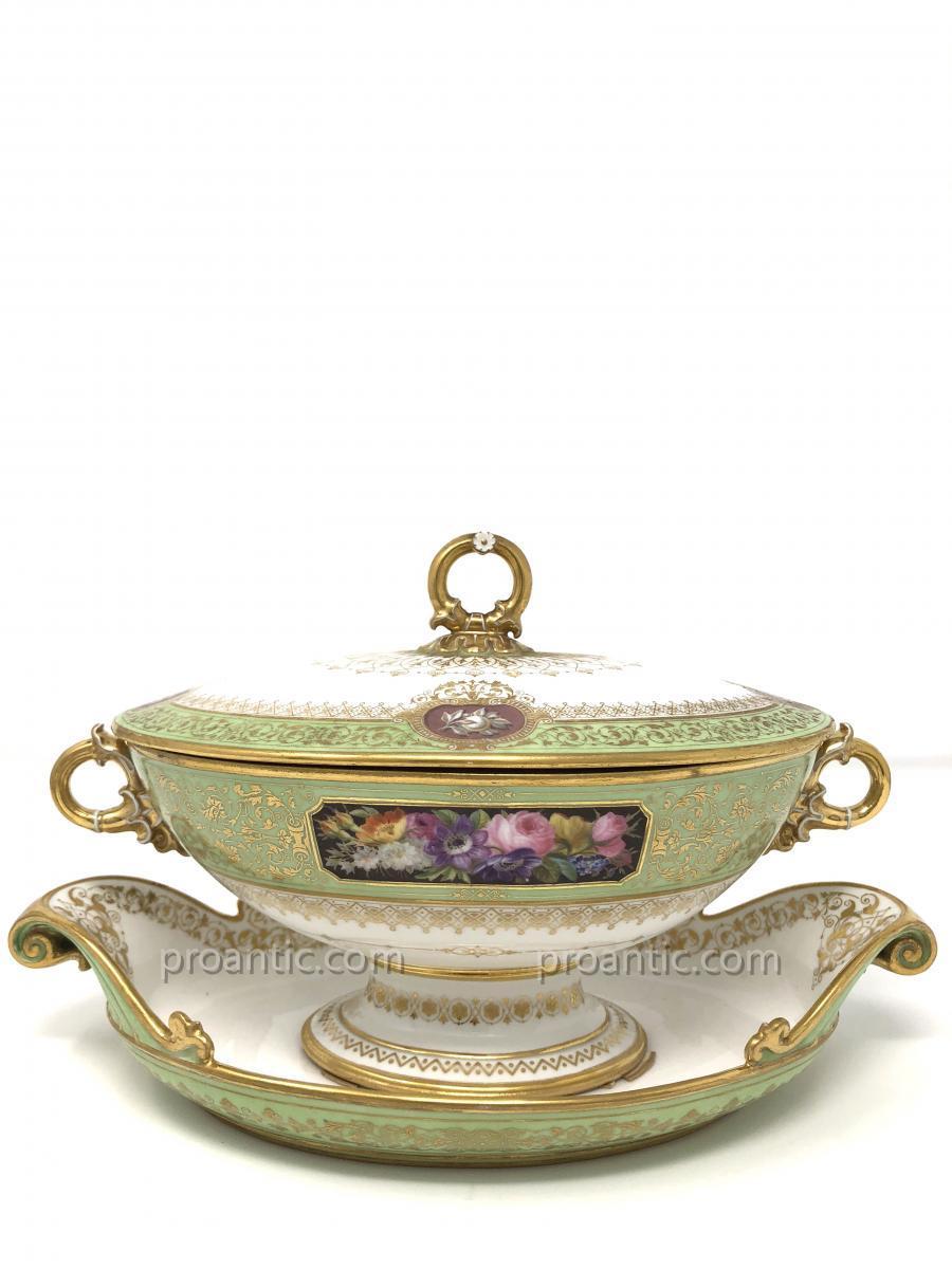Sucrier en Porcelaine de Sèvres du Service de Louis-Philippe au Château d'Eu