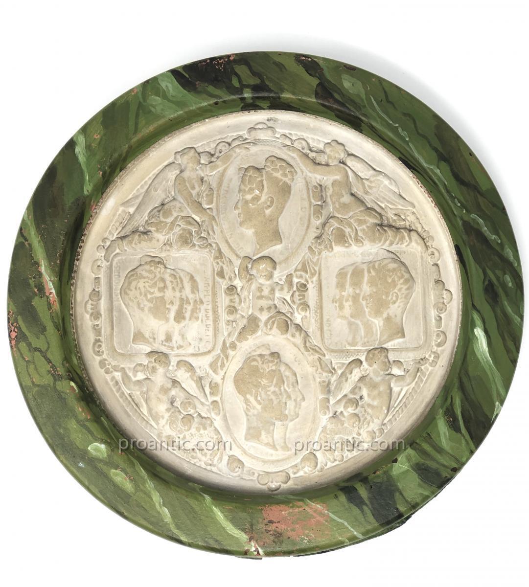 Grand Médaillon En Plâtre aux Profils de la Famille d'Orléans ROI LOUIS-PHILIPPE