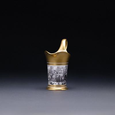 Pot à Lait En Porcelaine De Sèvres  avec tasse jointe, au portrait du roi Henri IV