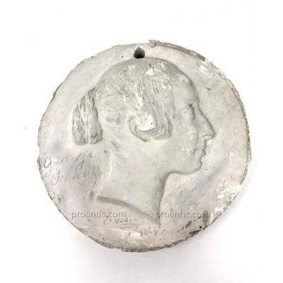 Médaillon En Plâtre De George Sand Par David d'Angers