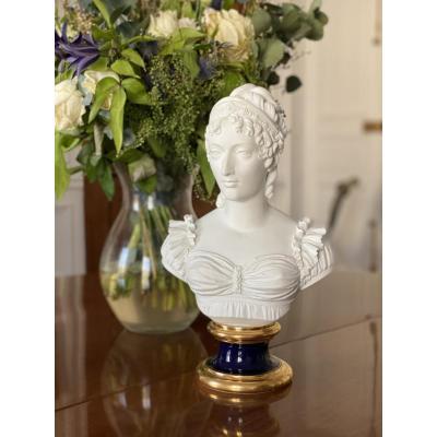 Buste En Biscuit De Sèvres Figurant La Duchesse d'Angoulême (1778-1851)