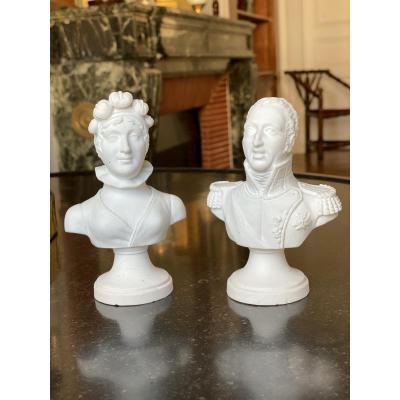 Paire De Petits Bustes En Porcelaine De Paris Figurant Le Duc Et La Duchesse d'Angoulême.