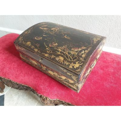 Large 18th Century Lacquered Wedding Wig Box