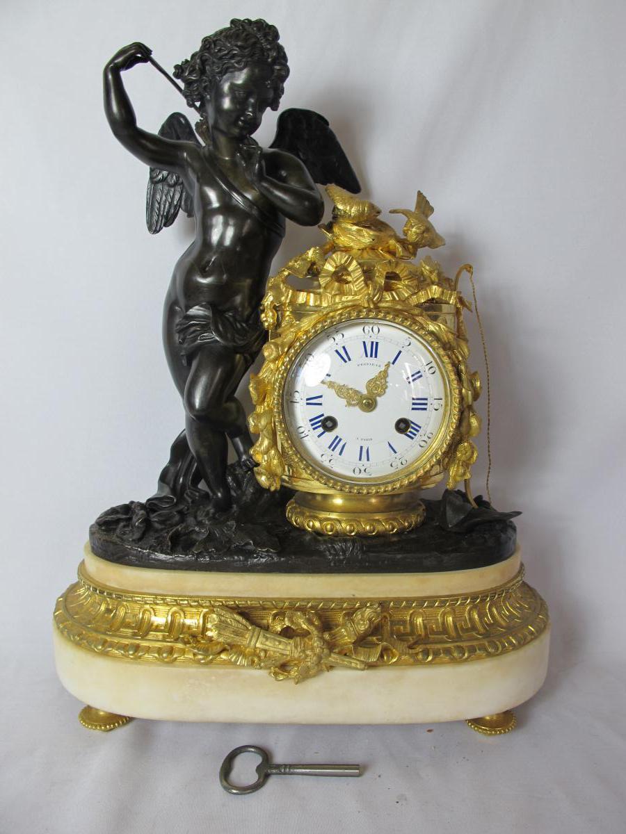 Pendule Bronze Doré Signé Perriraz A Paris