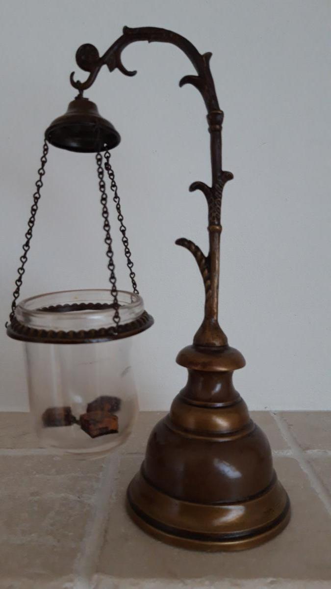 Brule Parfum En Bronze Doré. XIX Sec.