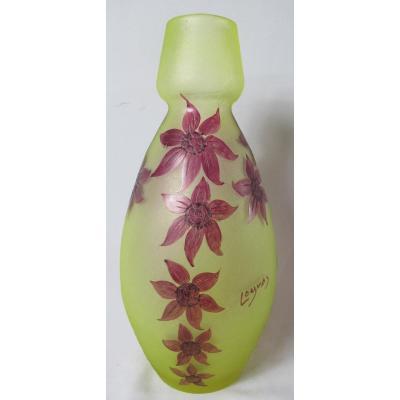 Grand Vase Signé Legras. Clematis.