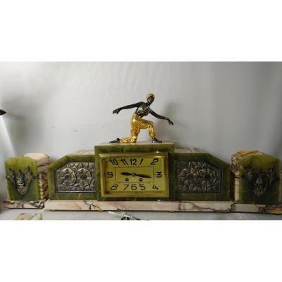 Garniture De Cheminée. Bronze Doré Et Onyx. 3 Pièces.