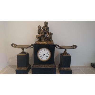 Garniture De Cheminée. Bronze Et Marbre.