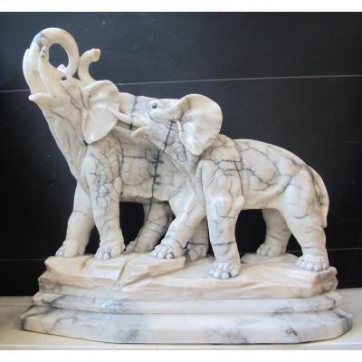 Eléphants Marbre. Signé I. Rochard (1906-1984) Longuer 57 Cm.