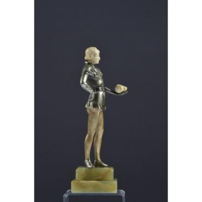 Statue Art Deco. Knight With A Skull