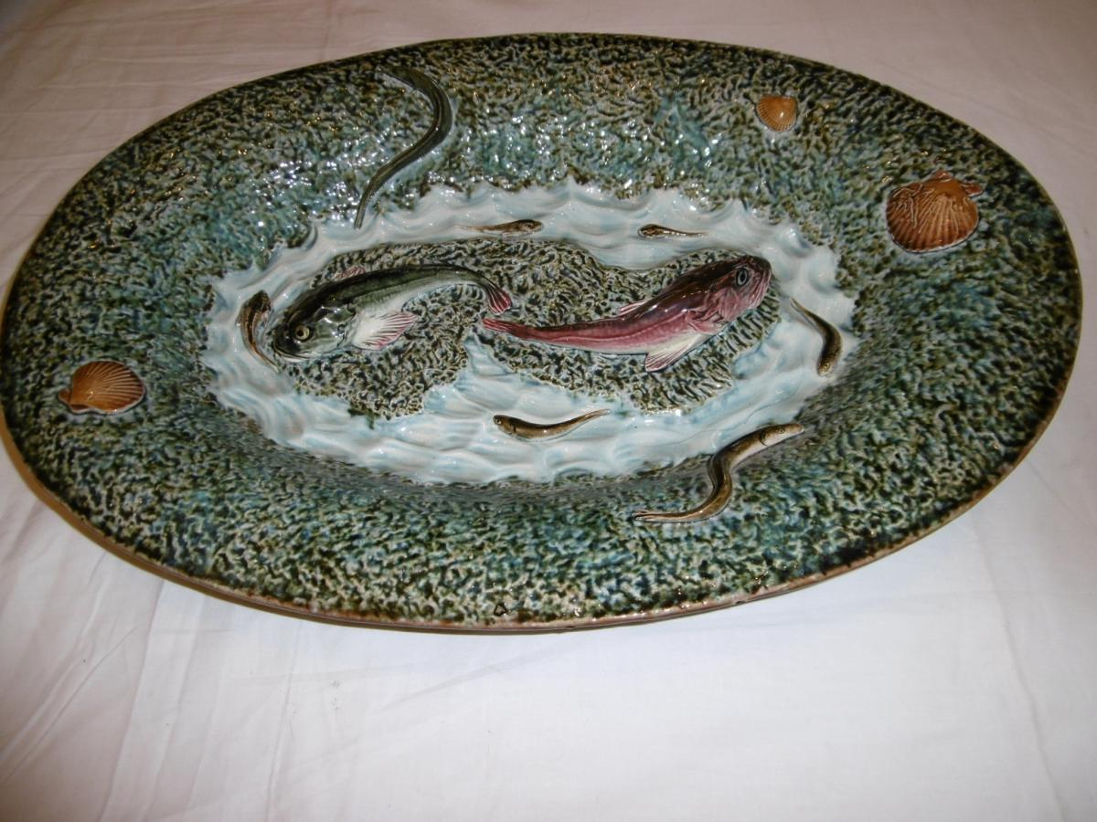 Large Oval Flat In The Taste Of Palissy