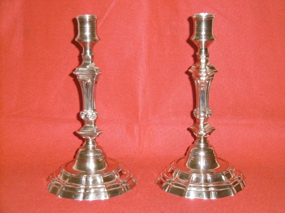 Paire De Bougeoirs En Bronze Argenté