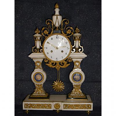 Pendule portique époque Louis XVI