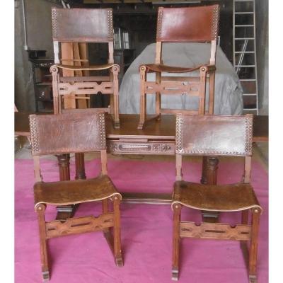 Série de huit chaises