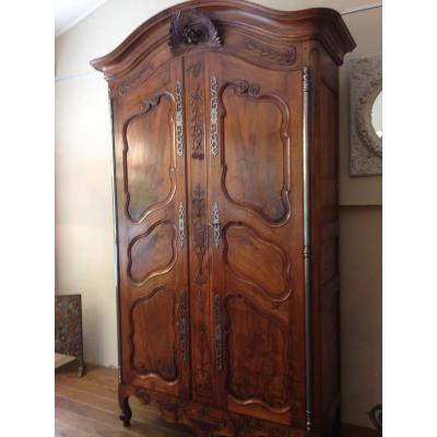 armoire ancienne sur proantic 18 me si cle. Black Bedroom Furniture Sets. Home Design Ideas