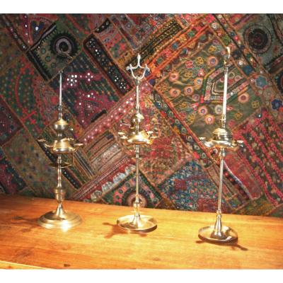 Three Oil Lamps Synagogue