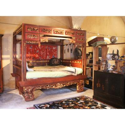 Exceptional Chinese Bed